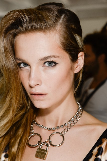 rodarte-eyeliner-Vogue-3Apr14-INDIGITAL_b_426x639