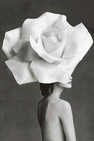 Christy-Turlington-Vogue-February-1992-Patrick-Demarchelier_b_320x480