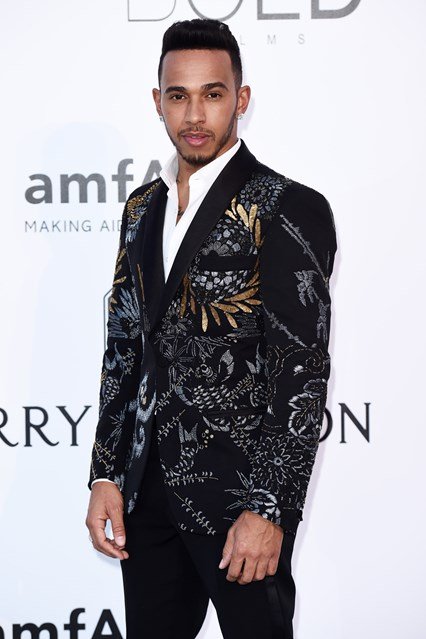 lewis-hamilton-vogue-20may16-rex_b_426x639